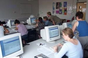An ELU staff development session in a computer lab