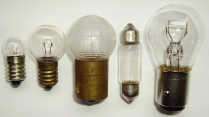 Low voltage light bulbs, Cjp24, Wikimedia Commons